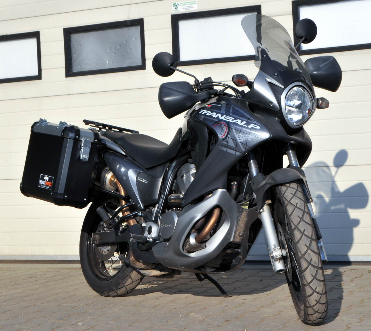 honda transalp 700 panniers heavy duties. Black Bedroom Furniture Sets. Home Design Ideas